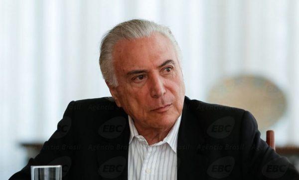 Temer assina decreto de intervenção na segurança do Rio de Janeiro (O Globo)