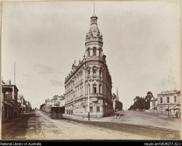 The Junction Hotel was a St Kilda icon up until its demolition in the early 1970s. (1890s)