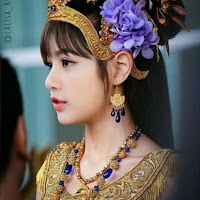 Wallpaper Lisa BLACKPINK Traditional Thai Clothing and Costume Songkran Day 2018 800 x 992 for Android/Iphone