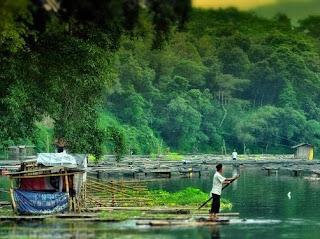 Danau Segaran, wajib dikunjungi oleh para pecinta alam