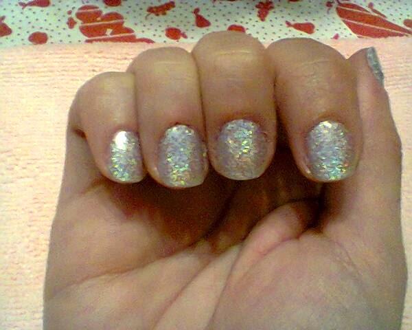 Λίγη χρυσόσκονη στα νύχια...