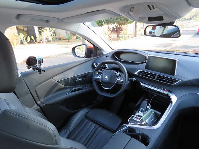 Peugeot 3008 2018 - interior