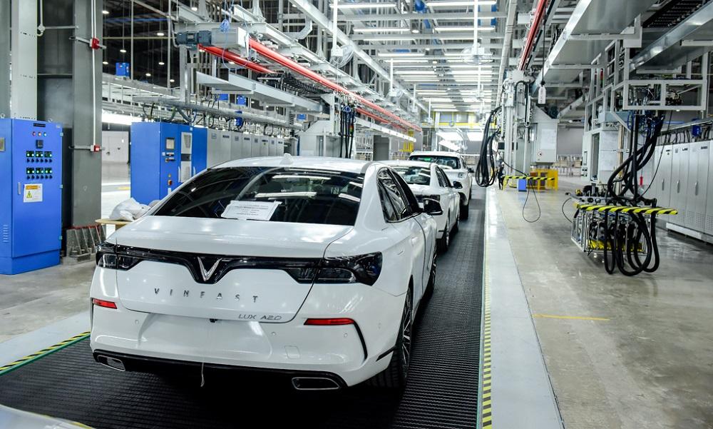 VinFast đưa 155 ô tô Lux ra nước ngoài thử nghiệm