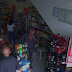 VÍDEO: Após furtar celular em livraria, câmeras flagram o mesmo elemento furtando celular em farmácia de Cajazeiras