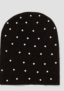 bonnet noir à perles