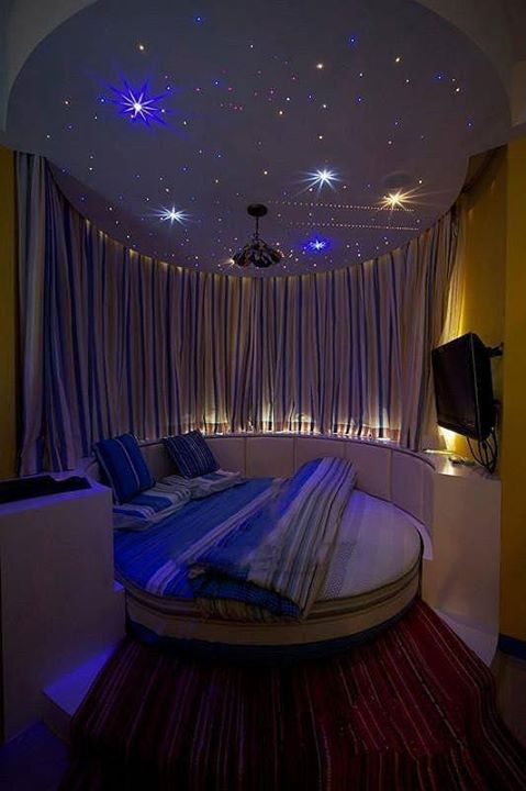 30 round beds that will spice up your bedroom 13374 | 9