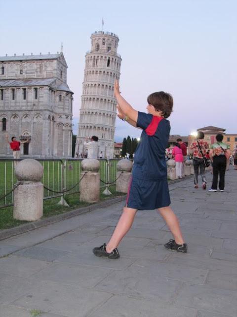 fotos chorras en la torre de Pisa