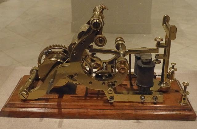 Model Telegraf Pertama Buatan Samuel Morse