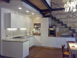 10 Cocinas Bajo La Escalera Colores En Casa