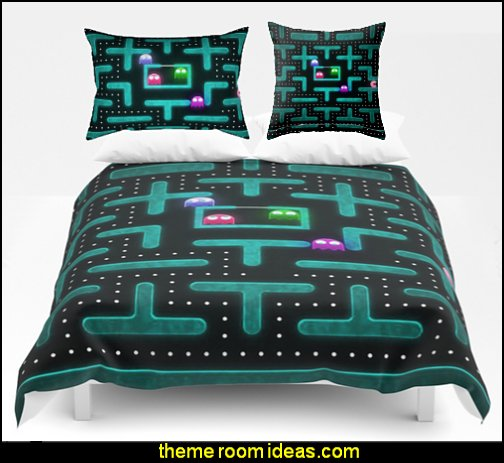 retro game duvet  Gamer bedroom - Video game room decor - gamer bedroom furniture - gamer wall decal stickers - Super Mario Brothers Wall Stickers - gamer bedding