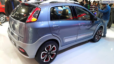 Fiat Urban Cross right side three qauter image