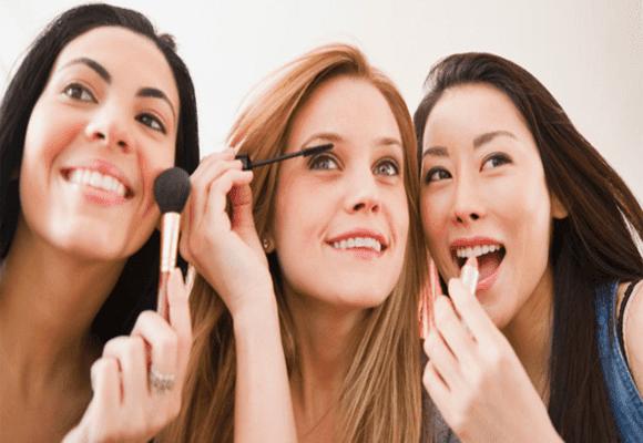 Compartilhar-batons-maquiagens