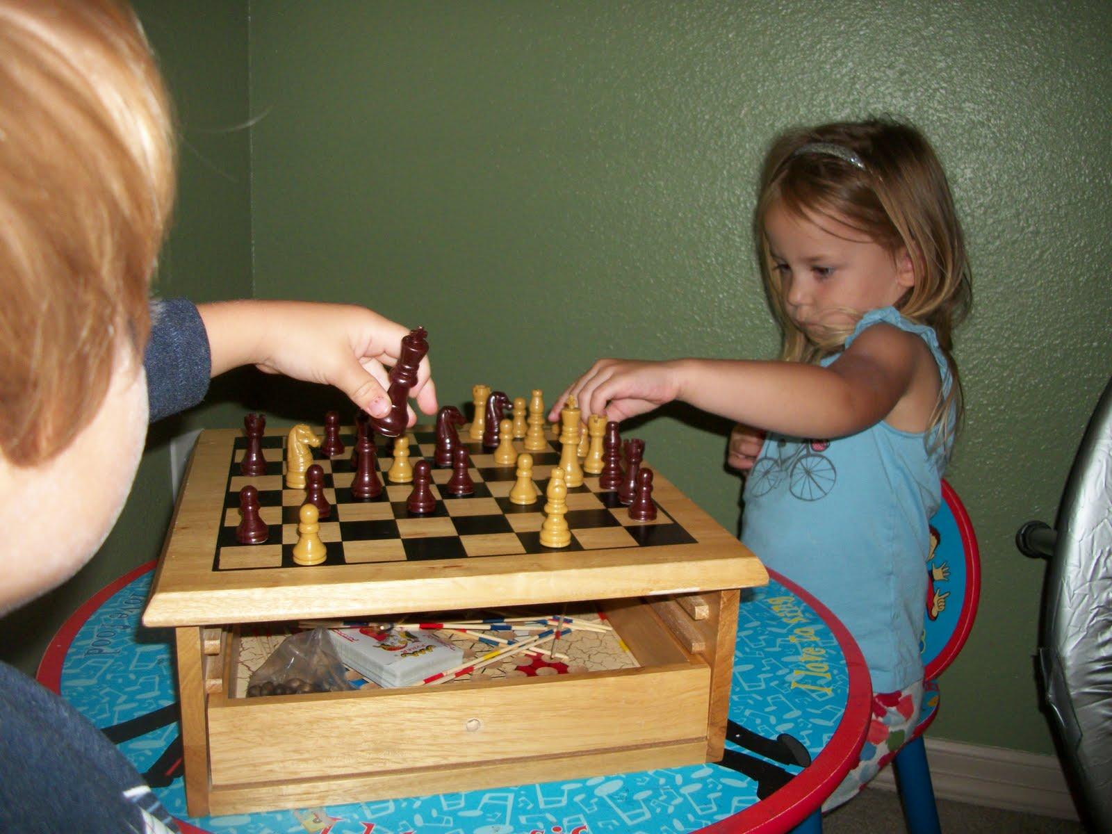 LaVidaFranco: Chess anyone??