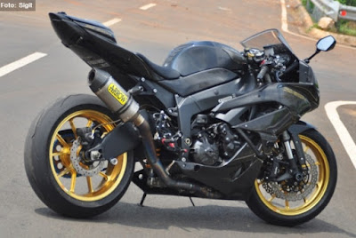 Foto Modifikasi Kawasaki ZX-6R Full Carbon