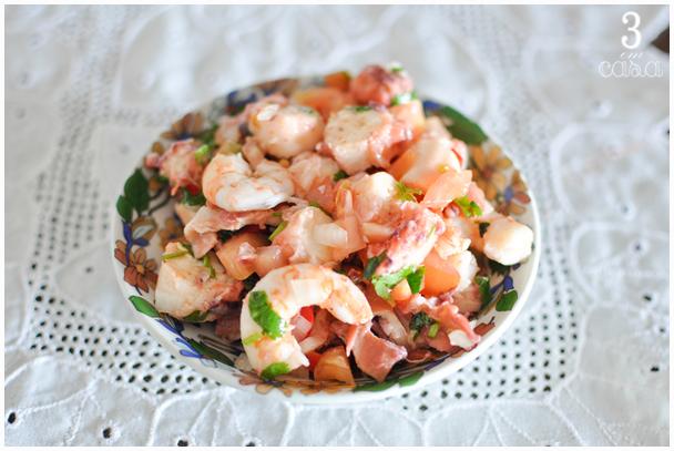 como fazer salada de camarão e polvo