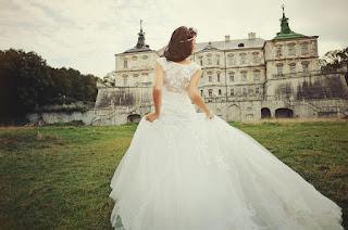 فستان زفافي والعريس الهارب