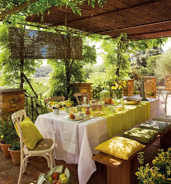 Ideas For Decorating Outdoor Dining Room Tables 12