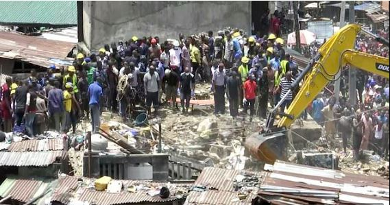 3-story building housing a school collapses in Lagos with school children inside