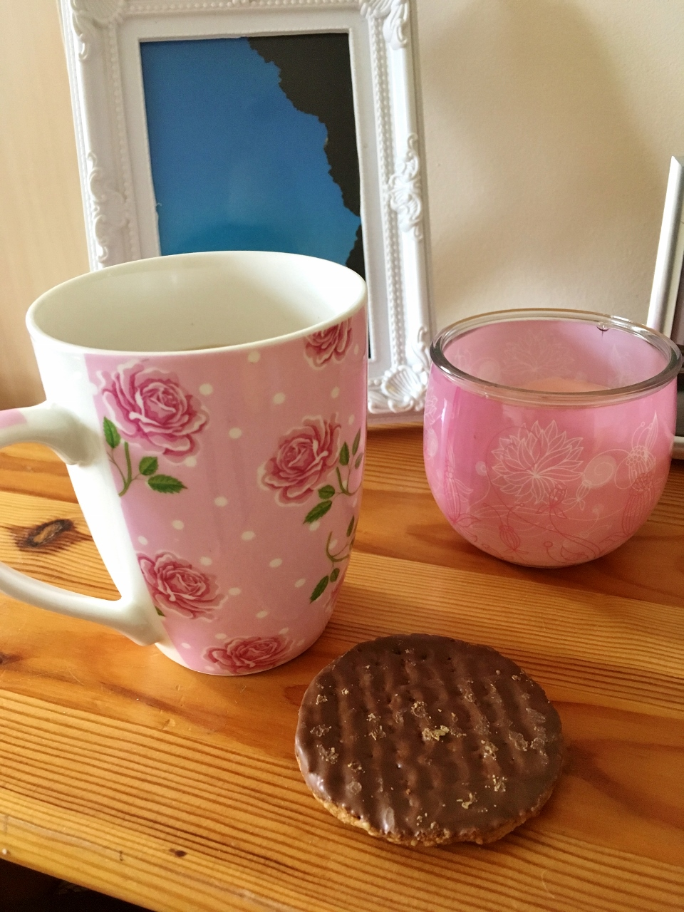 Tea and biscuit