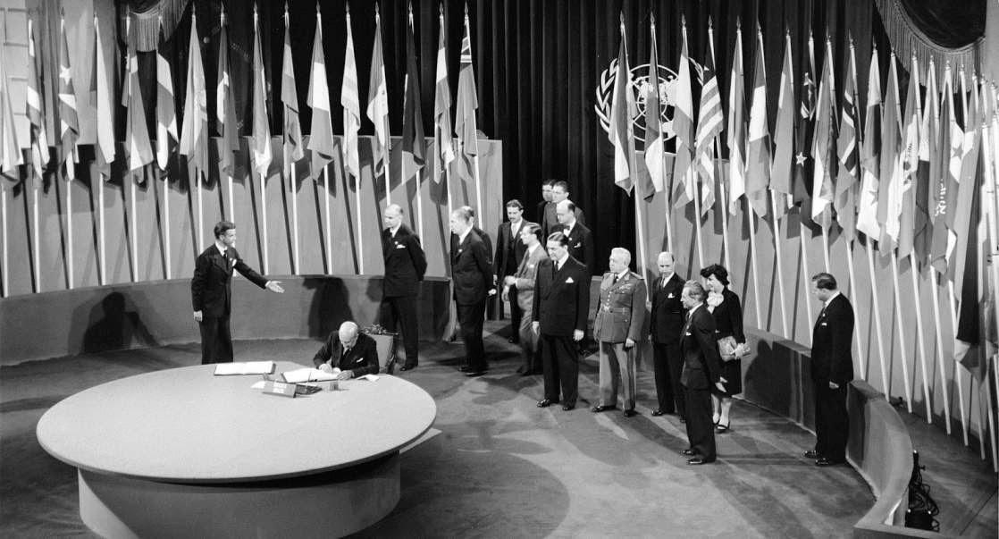 Tratado y costumbre internacional