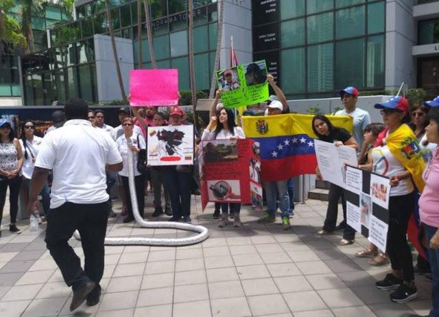 Veppex protestó en Miami contra funcionarios del gobierno de Maduro