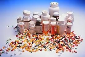 Quels sont les médicaments que nous pouvons donner au cours du processus de naissance ?
