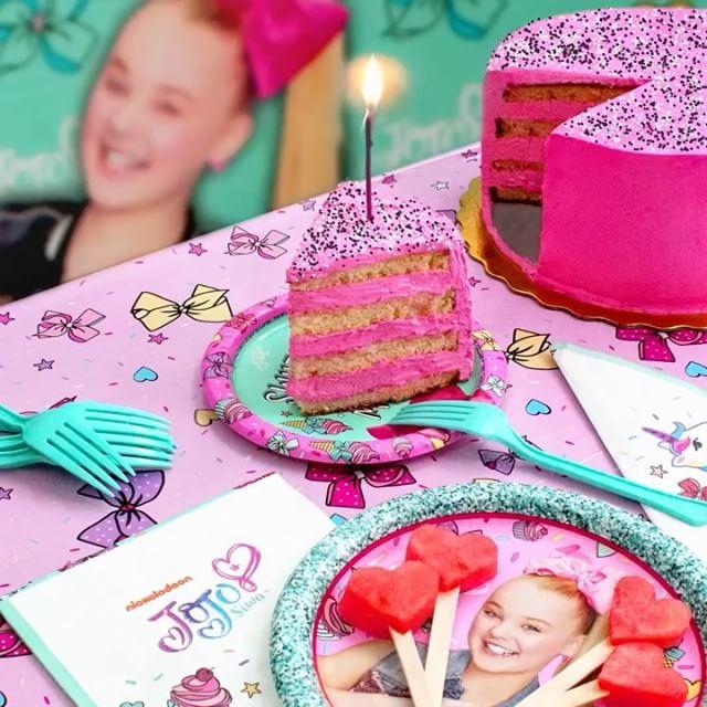 Nickalive Jojo Siwa Launches Party Supplies Range At Walmart