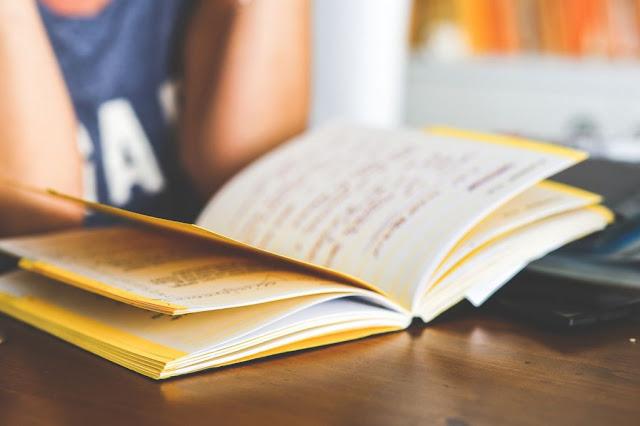 Φυσικός παραδίδει ιδιαίτερα μαθήματα σε μαθητές Γυμνασίου και Λυκείου