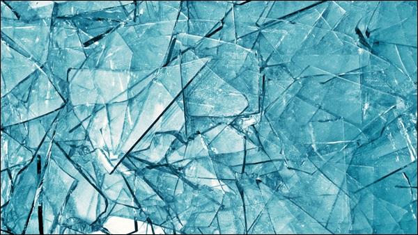 janela de vidro comum float quebrada