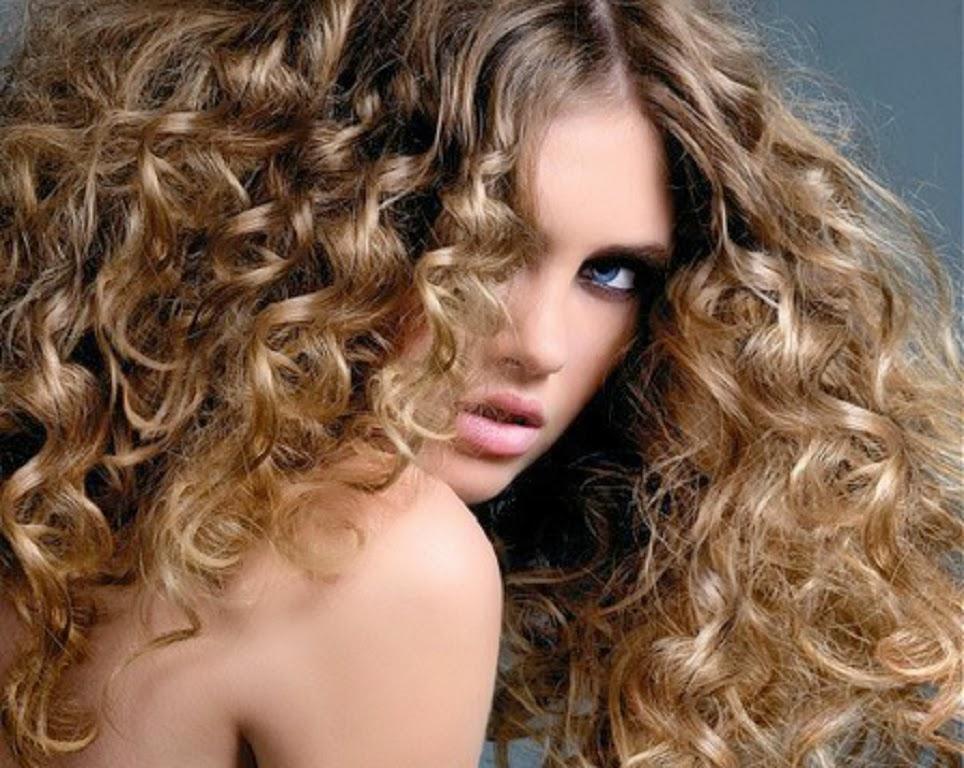 Sencillo y bonito peinados faciles pelo rizado Fotos de cortes de pelo estilo - Peinados y Trenzas: Tips para el Pelo Rizado