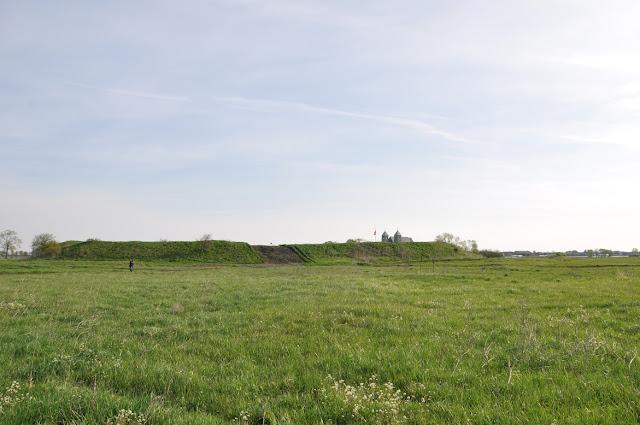 Grodzisko wczesnośredniowieczne pierścieniowate w Tumie pod Łęczycą