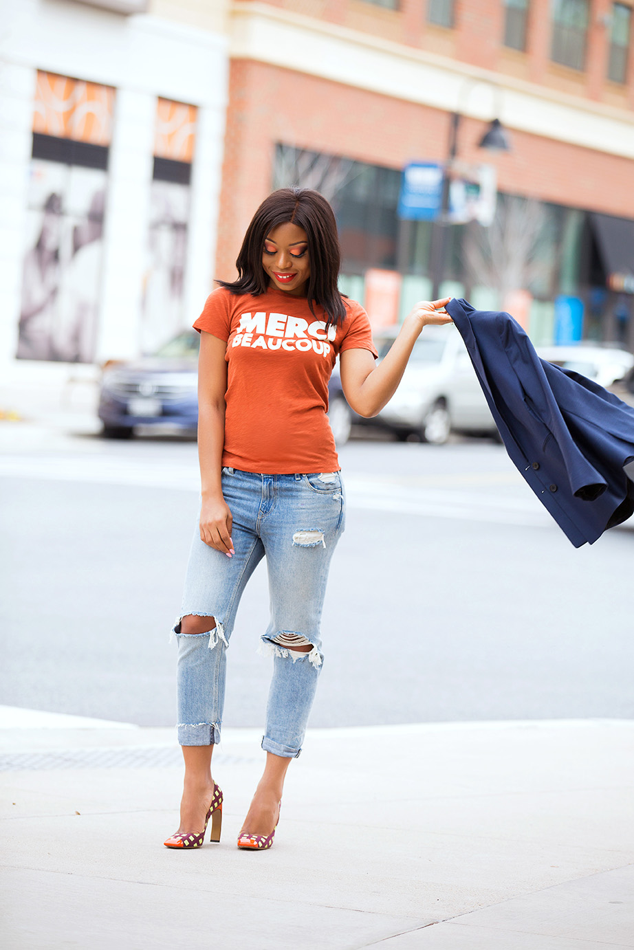 jcrew graphic tee and girlfriend jeans, www.jadore-fashion.com