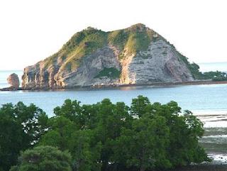 Pantai Nembrala Pulau Rote yang Indah dan Elok