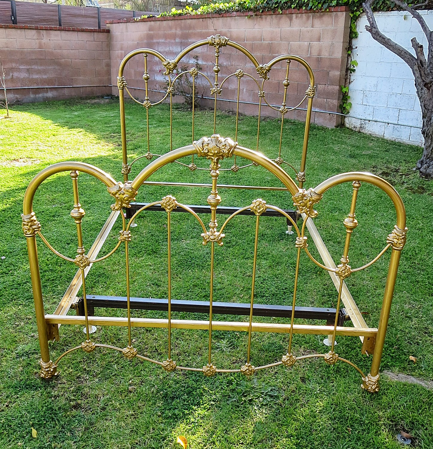 Antique french iron bed - Shabby Chic Full Size Iron Bed Frame French Provincial Antique Gold Sold Bedframe 30