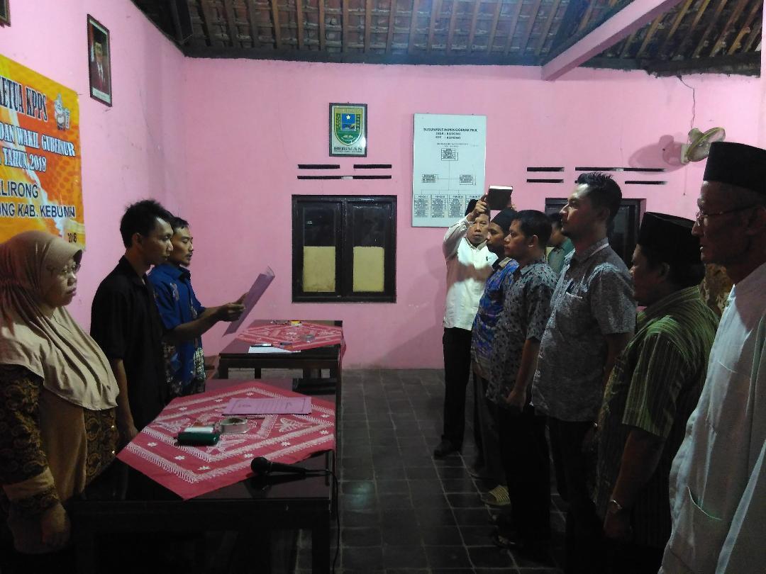 Pengambilan Sumpah Pelantikan KPPS Desa Klirong