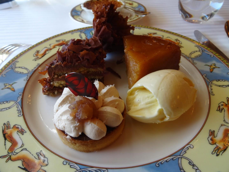 Desserts restaurant Paul Bocuse à Collonges.