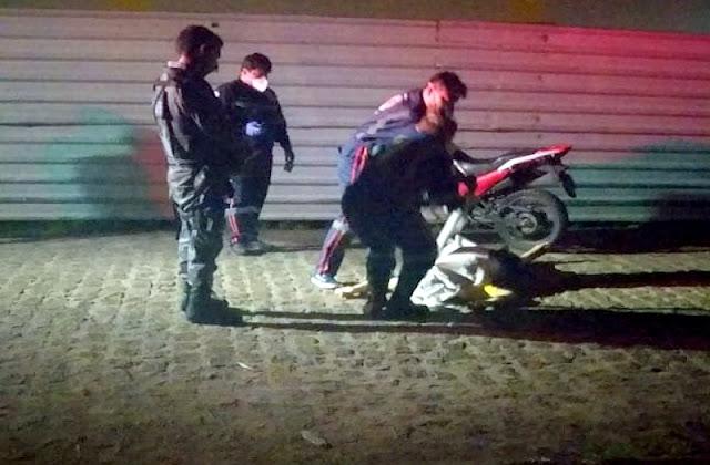 Homem é atingido por disparos de arma de fogo e morre no Bairro América em Aracaju
