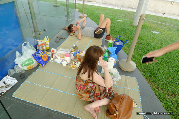 L I A N M E I T I N G : Picnic at Marina Barrage!