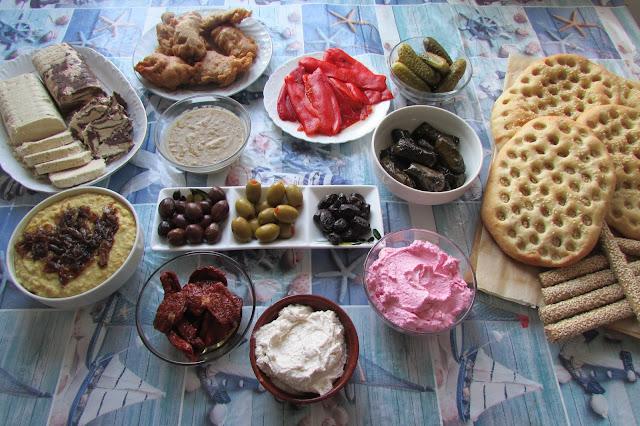 postne posiłki na Kathara Deftera