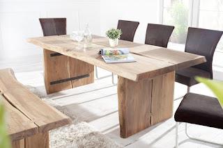 Designový jídelní stůl z masivu Reaction.