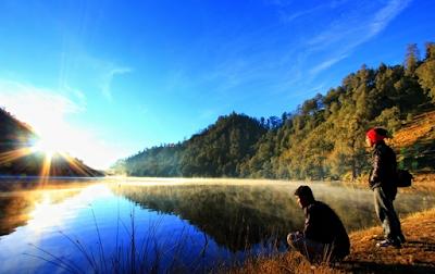 foto danau ranu kumbolo gunung semeru
