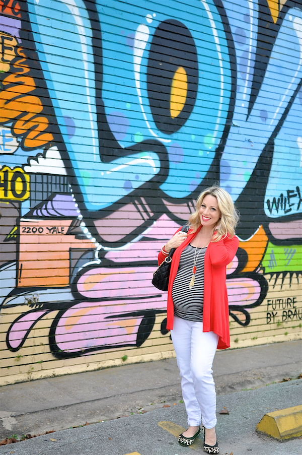 Fall/Winter fashion - black and white stripes, red and leopard #dressingthebump #bumpstyle #maternityfashion