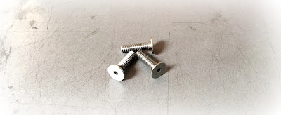 Custom low head socket cap screws in 303 stainless steel material - engineered source is a supplier and distributor of custom made socket head cap screws with low profile head in stainless steel material - covering Orange County, Los Angeles, San Diego, Inland Empire, California, USA, and Mexico