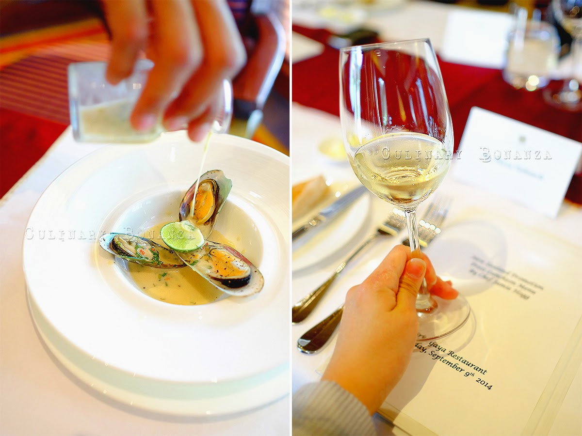 Steamed New Zealand green lip mussel, coconut cream, garlic, white wine & crusty bread Wine: Woollaston Pinot Gris 2011