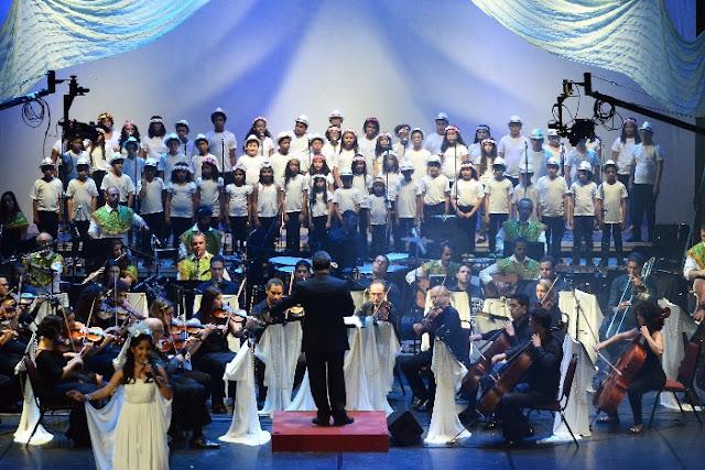 "Cantata natalina ""Bandeira do Divino"" no Teatro de Santa Isabel"