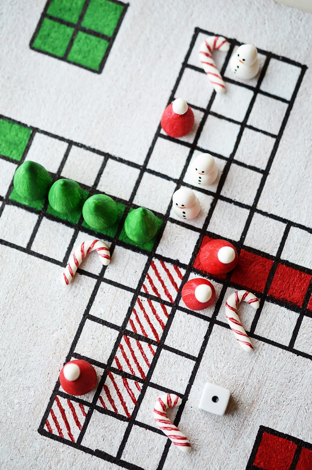 diy christmas board game santa rgere dich nicht mottes blog - Family Games To Play At Christmas