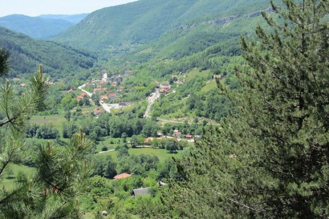 Servië, uitzicht vanuit trein Mokra Gora