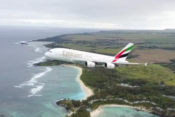 Video: Un drone ha rischiato di finire contro un aereo in decollo