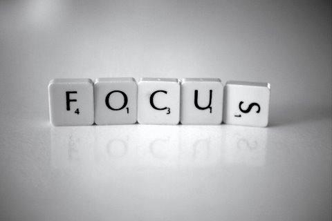 Cara membuat pengunjung blog fokus kepada tulisan kita