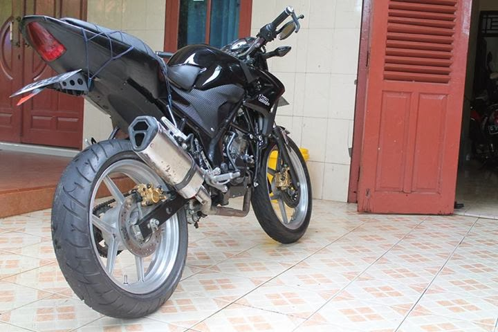 Modifikasi Honda CB150R Streetfire Mamah Muda Blogr